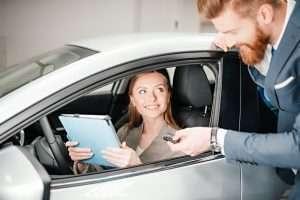 Развод в автосалонах
